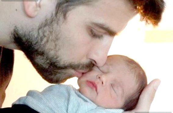Шакіра показала новонародженого сина