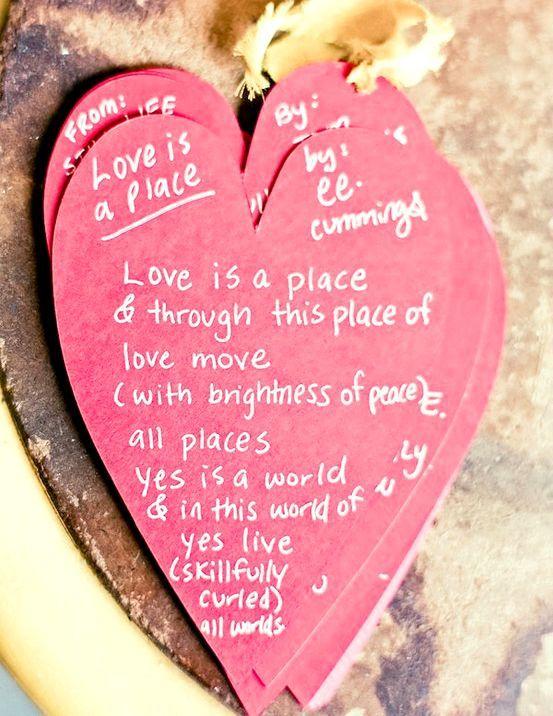 Вірші до дня святого валентина, поздоровлення у смс і статусах