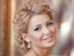 Весільні макіяж і укладання волосся
