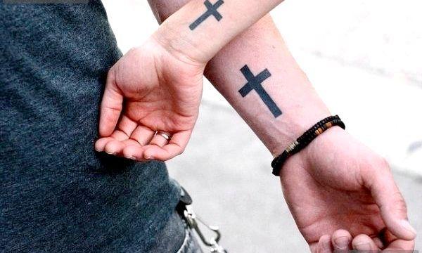 Татуювання хрест: значення та ескізи
