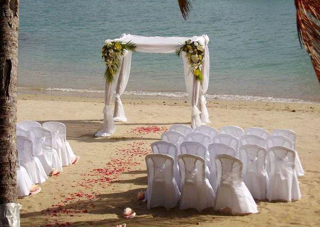 Прикраси та аксесуари для пляжної весілля