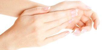 Вітаміни для росту і зміцнення нігтів
