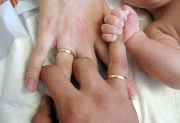 Вплив народження дитини на сімейні відносини