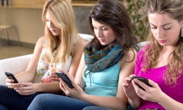 Залежність від соціальних мереж