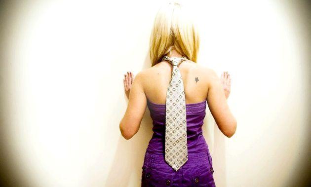 Жіночий краватку - як і з чим носити?